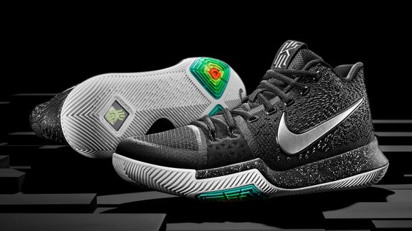 Nike Mens KYRIE 4 VS KYRIE 3